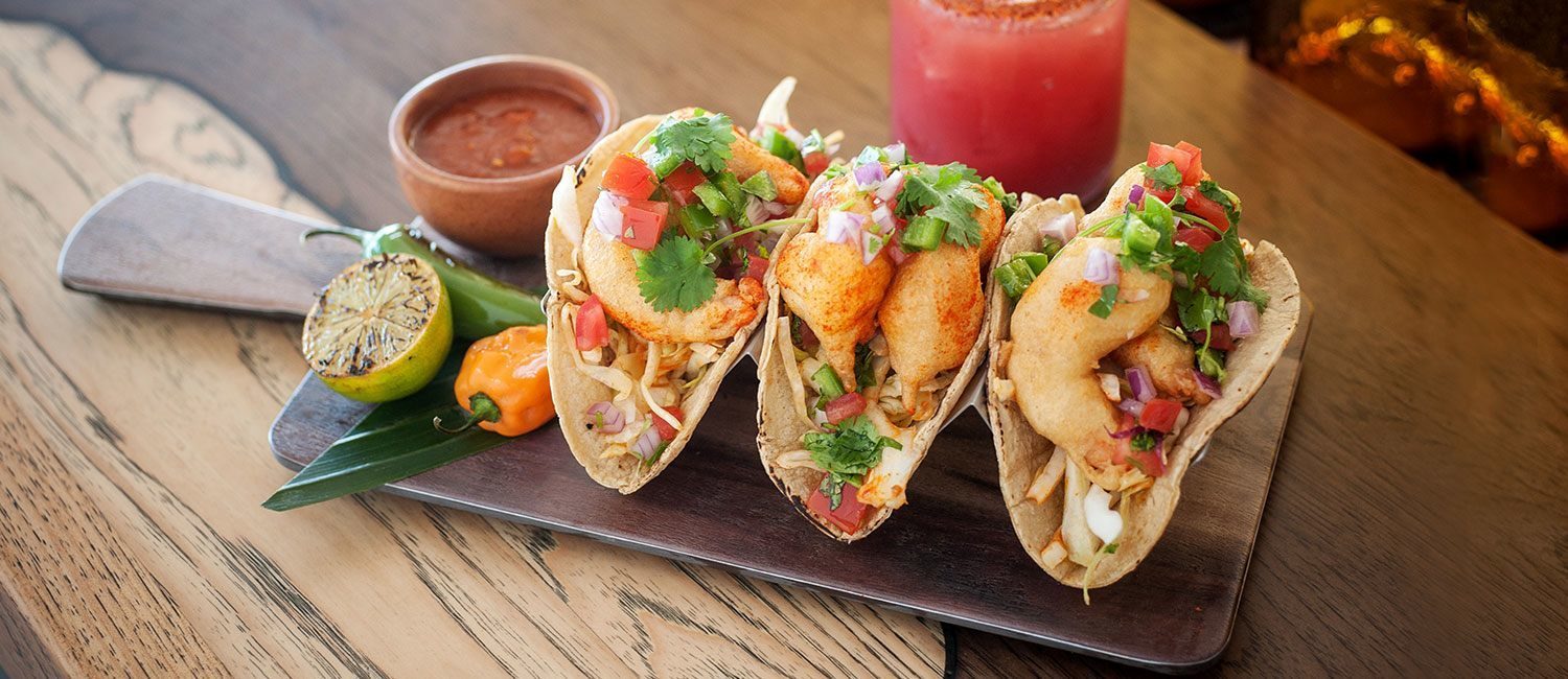 shrimp tacos with margarita